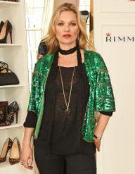 Get ready with Kate Moss : comment le top se prépare avant une soirée