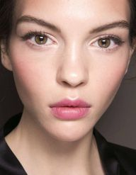 Le maquillage semi-permanent, ringard ou tendance ?