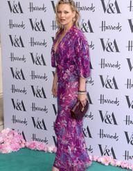 Kate Moss et Kylie Minogue font la fête à la Summer Party du Victoria & Albert Museum