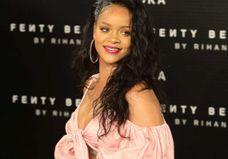 Rihanna change radicalement de coiffure pour les fêtes !