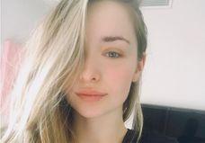 3 choses à savoir sur Emma Smet, la petite fille de Johnny Hallyday