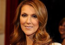 Céline Dion : c'est la folie à Paris pour son look salopette en cuir !