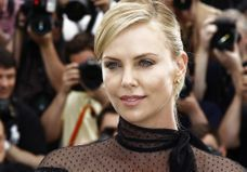 Charlize Theron a adopté une petite fille