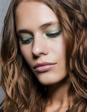 Cheveux : affichez la couleur
