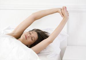 L'astuce sommeil qui retarde l'apparition des rides et fait de beaux cheveux