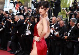 Le look du jour : Bella Hadid dans sa robe fendue Alexandre Vauthier