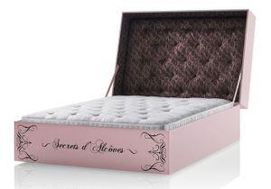 Ultra-sensuelle, la collection de lits signée Chantal Thomass
