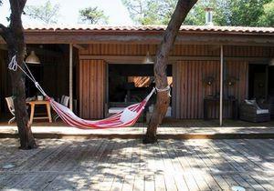 Au Cap-Ferret vivre dans les bois