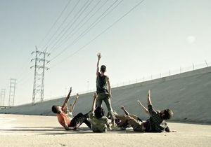 L'anti-blues du dimanche soir : une troupe de danseurs au milieu du Los Angeles River.