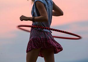 5 bonnes raisons de se (re)mettre au hula hoop