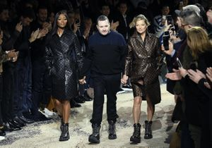 Kate Moss et Naomi Campbell, la surprise à la fin du show Louis Vuitton