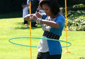 Buzz video : Michelle Obama fait du hula hoop
