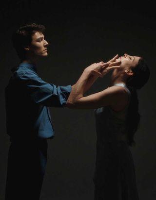 Exclu : la danseuse Marie-Agnès Gillot déclare sa flamme en beauté pour Dior