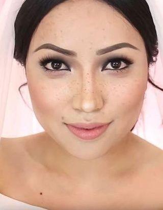 Cette youtubeuse beauté se transforme en Meghan Markle en recréant le make up de son mariage