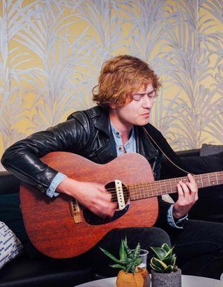 ELLE LIVE #20 : Malo' chante à la rédaction