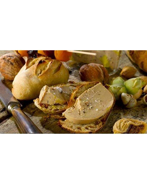foie gras sur pains mendiants aux fruits secs pour 6 personnes recettes elle table. Black Bedroom Furniture Sets. Home Design Ideas
