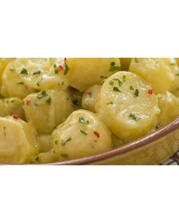 salade de pommes de terre et oignons nouveaux pour 4 personnes recettes elle table. Black Bedroom Furniture Sets. Home Design Ideas