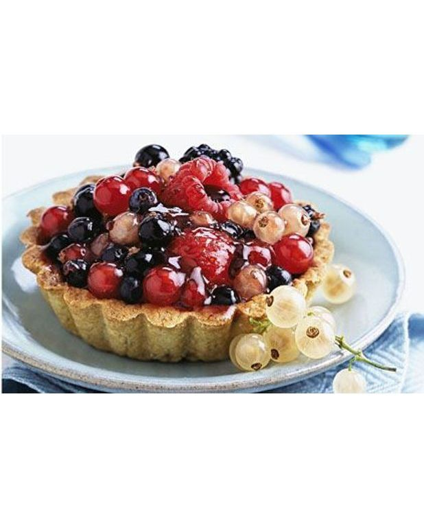 tarte aux fruits des bois pour 8 personnes recettes elle table. Black Bedroom Furniture Sets. Home Design Ideas