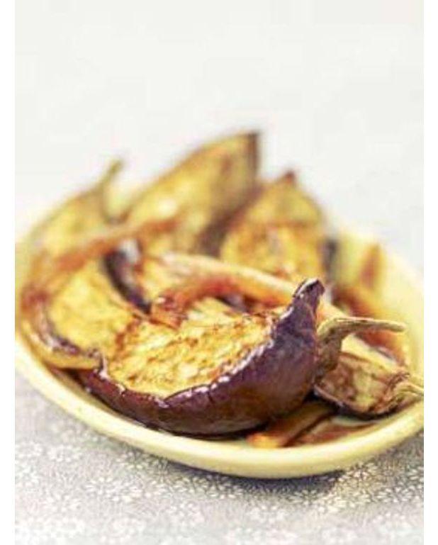 Aubergines au four au curry et au miel pour 4 personnes recettes elle table - Cuisiner des aubergines au four ...