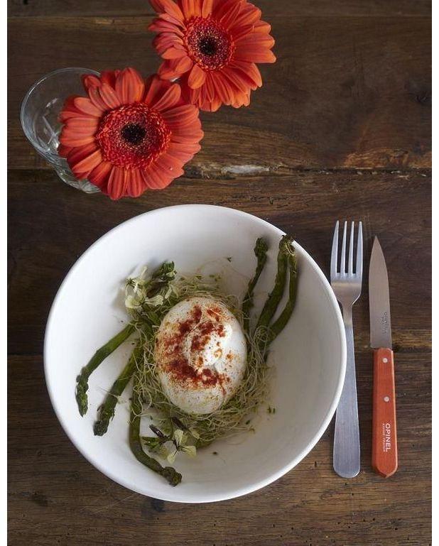 Burrata rouge et asperges vertes pour 1 personne for Table cuisine rouge