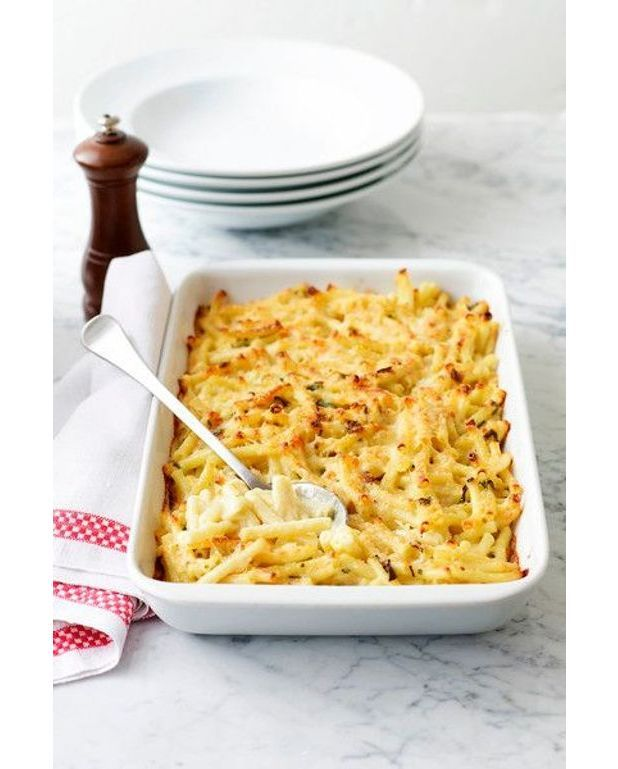 gratin de macaroni aux 3 fromages recettes elle table. Black Bedroom Furniture Sets. Home Design Ideas