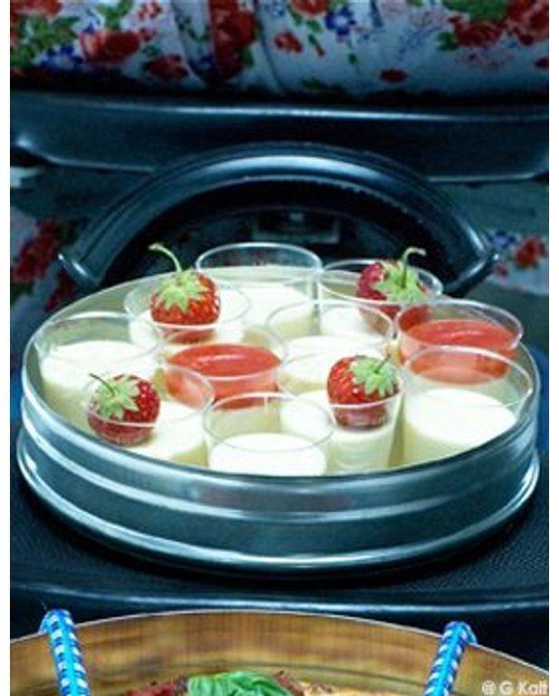 Panna cotta pour 4 personnes recettes elle table - Panna cotta herve cuisine ...