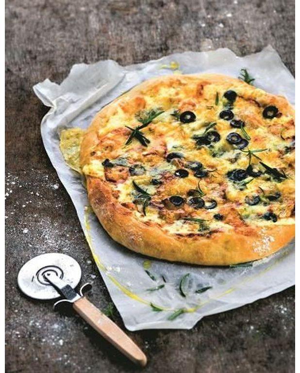 Pizza aux restes de fromages pour 4 personnes recettes for Cuisine entiere