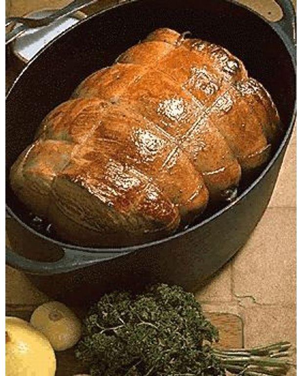 R ti de veau en cocotte pour 4 personnes recettes elle - Cuisiner le veau en cocotte ...