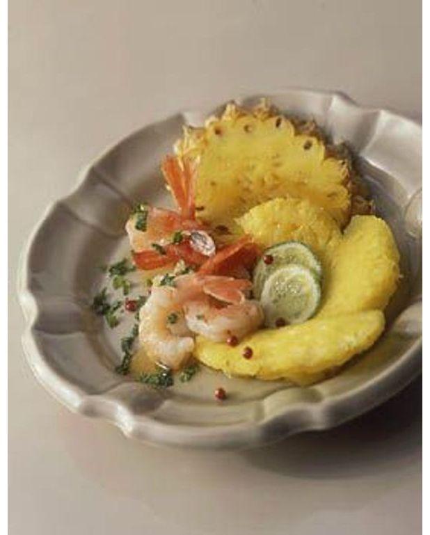 salade de crevettes ananas au citron vert pour 4 personnes recettes elle table. Black Bedroom Furniture Sets. Home Design Ideas