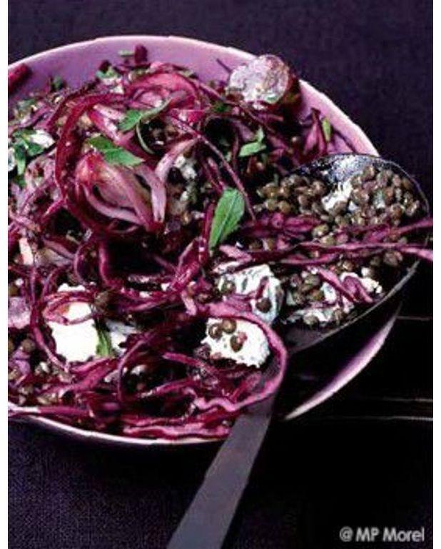 salade de lentilles vertes et chou rouge aux raisins pour 4 personnes recettes elle table. Black Bedroom Furniture Sets. Home Design Ideas