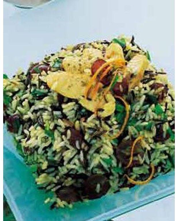 salade de riz raisin frais et poulet pour 4 personnes recettes elle table. Black Bedroom Furniture Sets. Home Design Ideas
