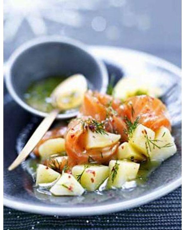 saumon fum et pommes de terre sauce gravad lax pour 4 personnes recettes elle table. Black Bedroom Furniture Sets. Home Design Ideas