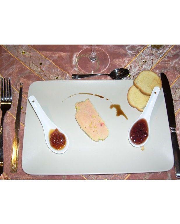 Terrine de foie gras maison pour 1 personne recettes elle table - Foie gras maison en terrine ...