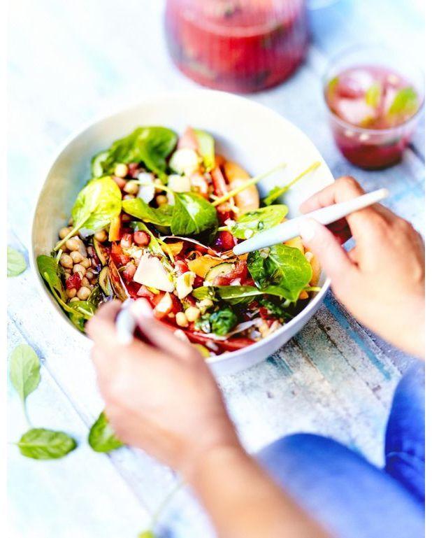 salade fra cheur past que concombre pour 6 personnes recettes elle table. Black Bedroom Furniture Sets. Home Design Ideas