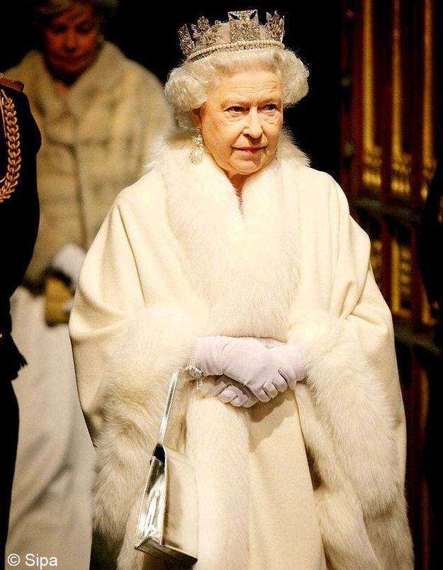 Célèbre Une journée avec la reine d'Angleterre - Elle VQ12