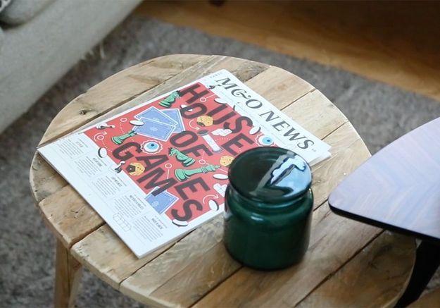 DIY : fabriquez une table basse à partir d'une palette en bois