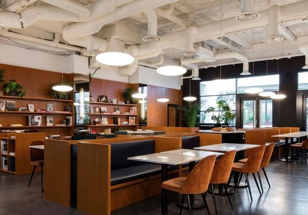 the bureau rencontre avec marika dru l 39 architecte d 39 un espace de coworking l 39 esprit tr s. Black Bedroom Furniture Sets. Home Design Ideas