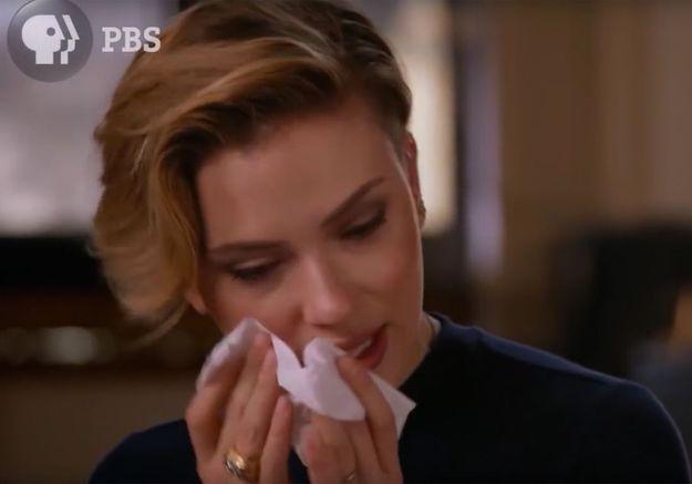 Les larmes de Scarlett Johansson qui découvre le passé de sa famille