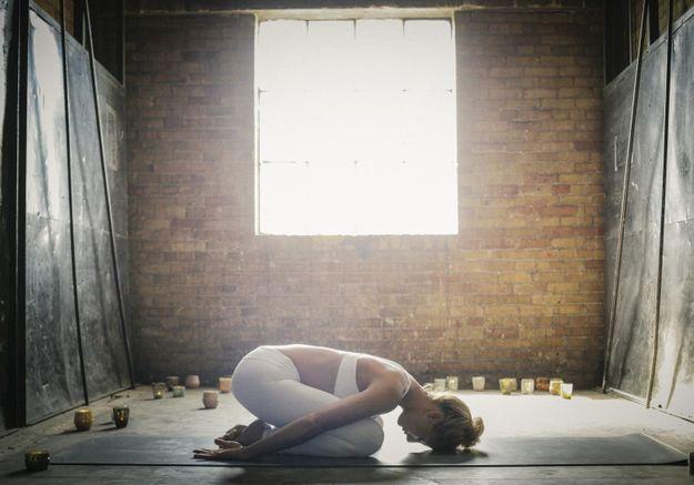 Yoga du soir tout savoir sur le yoga du soir elle - Secret pour bien dormir ...