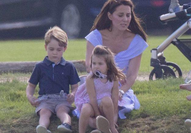 Le prince George, la princesse Charlotte et Kate Middleton