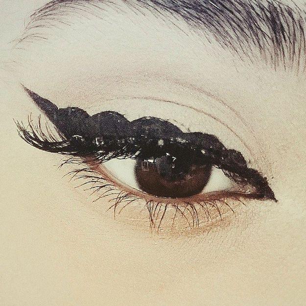 Bubble eye liner comment faire un bubble eye liner elle - Comment faire un trait de liner ...
