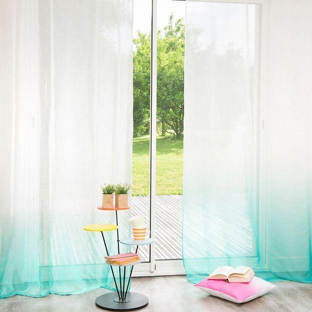 l inspiration d co les rideaux tie and dye elle d coration. Black Bedroom Furniture Sets. Home Design Ideas
