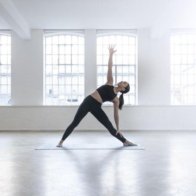 Voici 4 postures de yoga que vous faites surement mal