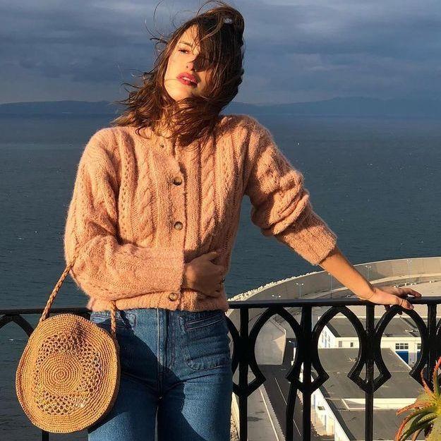 Style goal : le look bord de mer de Jeanne Damas