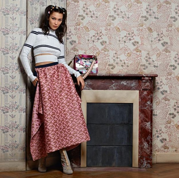 L'instant mode : Bella Hadid, star de la nouvelle campagne rétro de Fendi
