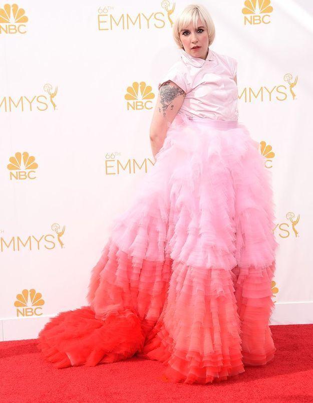 Emmy Awards2014 : les froufrous de la robe de Lena Dunham font débat