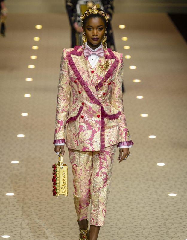 Dolce & Gabbana fait défiler des drones à la place des mannequins