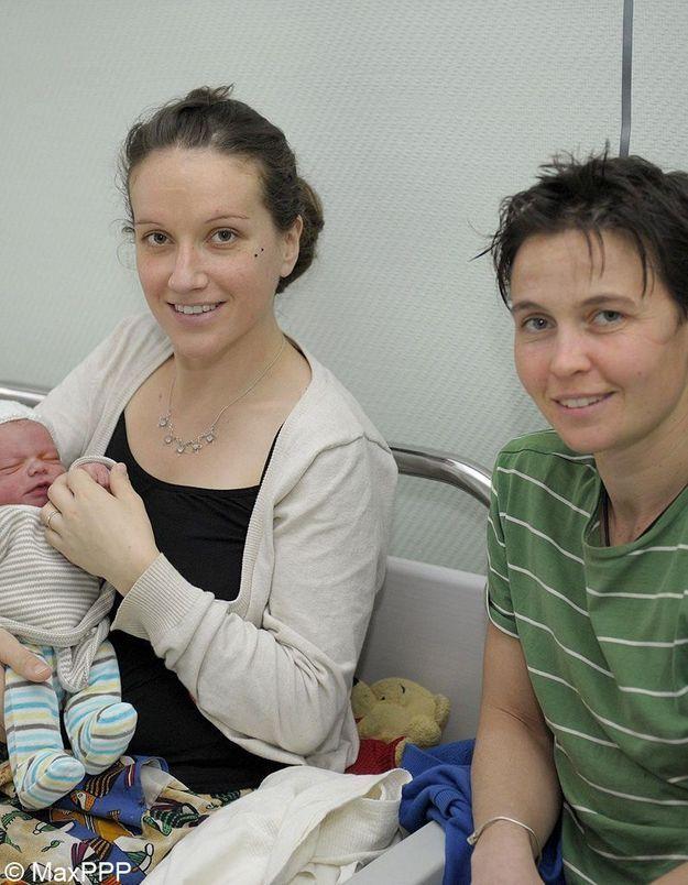 Le premier bébé de l'année 2013 a deux mamans
