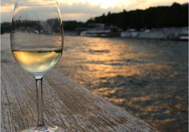 Amateurs de vin blanc, lisez ça si vous voulez perdre du poids