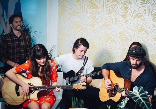 ELLE LIVE #25 : Angus & Julia Stone jouent à la rédaction